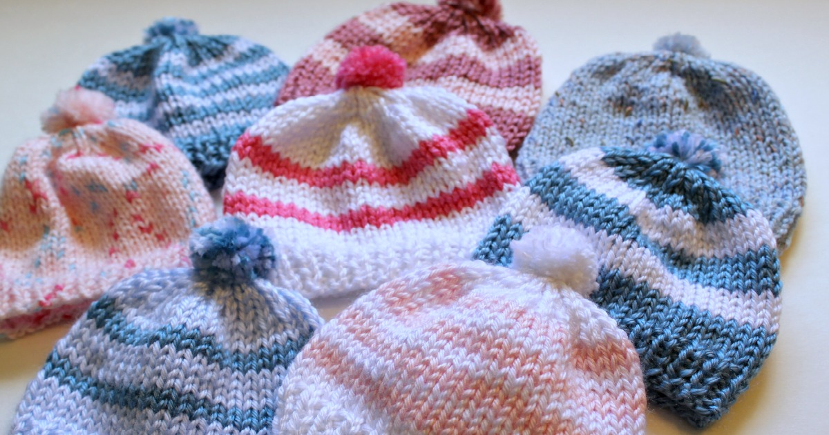 0fc02759c92 Free Knitting Pattern - Quick Knit Newborn Baby Hat. Easy for beginners too!