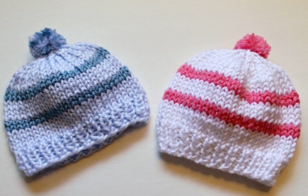 c2b373ddc33 Free Knitting Pattern - Quick Knit Newborn Baby Hat. Easy for beginners too!