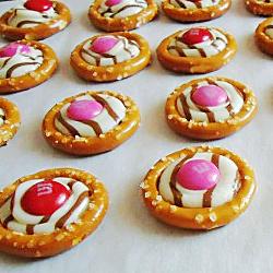 Pretzel Treats for Valentine's Day