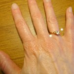 How to clean jewelry using a denture tablet