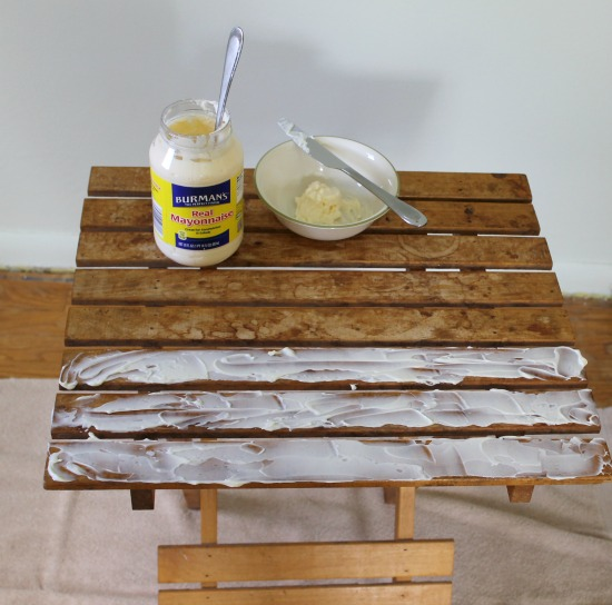 How to restore dry wood