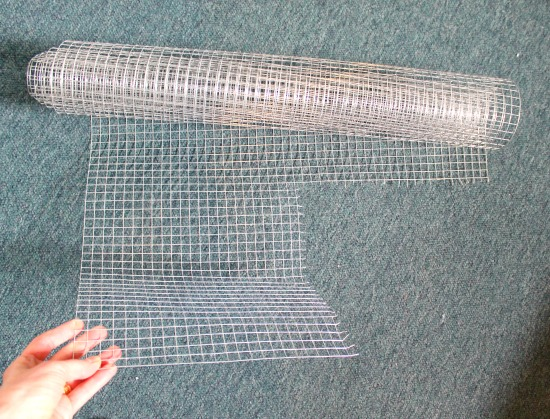chicken wire for a jewelry organizer