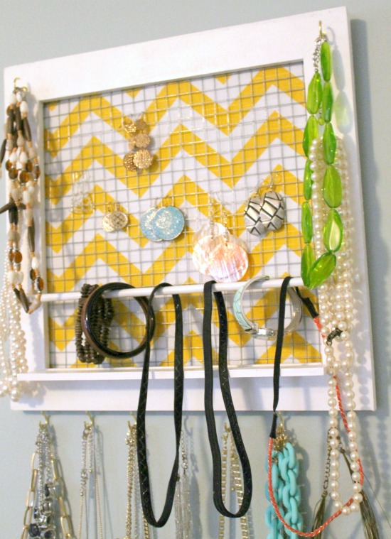 Diy picture frame jewelry organizer for Make your own jewelry rack