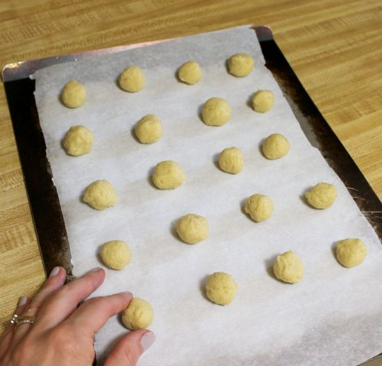 Make your own vanilla wafers