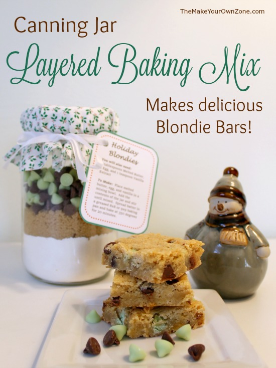 A layered baking mix in a canning jar is a perfect quick and simple gift - This recipe makes delicious Blondie Bars and includes free printable tags too!
