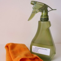 how to make a homemade dusting spray