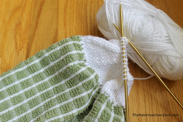Knit Kitchen Towel Patterns : Towel Topper Knitting Pattern - The Make Your Own Zone