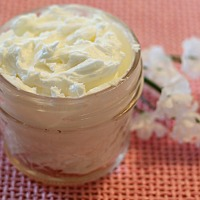 How to make body butter using shea butter, coconut oil, and apricot oil