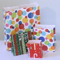 Make A Gift Bag From Wrapping Paper