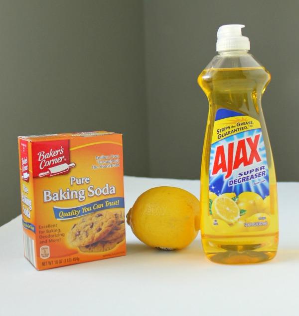 Homemade lemon soft scrub - It's easy to make your own!