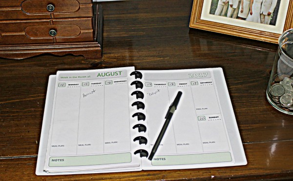 How to use an Arc Notebook system with free printable planner pages to save money on planners