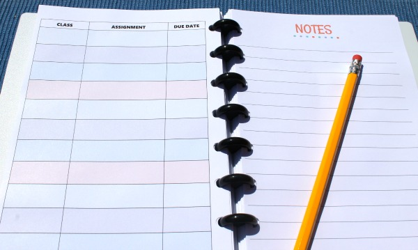 free printable planner pages, includes class assignment page and notes page