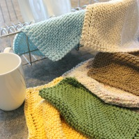 2 Ways to Knit Diagonal Dishcloths (Holes or No-Holes)