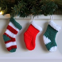 Mini Knit Stocking Pattern {for 2 needles}