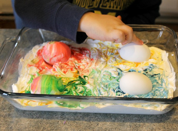 How to dye Easter eggs using food coloring and cool whip
