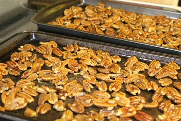 Spicy pecans for a food gift idea