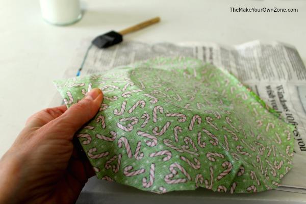 Make a Christmas plate using fabric