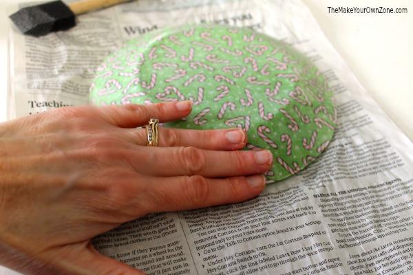 Make a Christmas plate using fabric and mod podgge