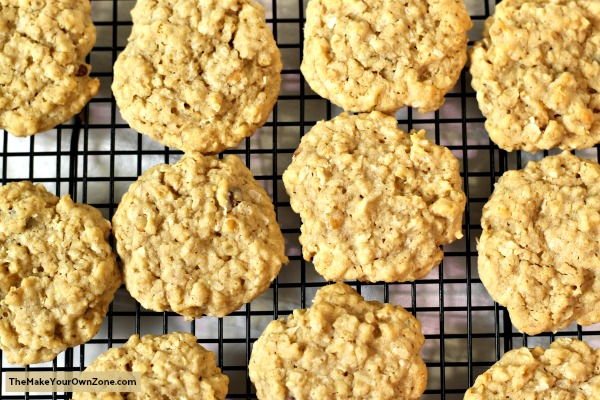 Recipe for homemade coconut oatmeal cookies
